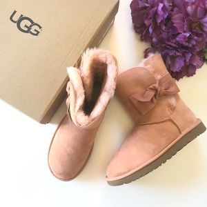 COPY - UGG Daelynn Genuine Shearling Pink Bow Boot